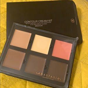 Anastasia Beverly Hills contour cream